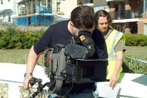 jon collins operating sony dsr 500 video camera